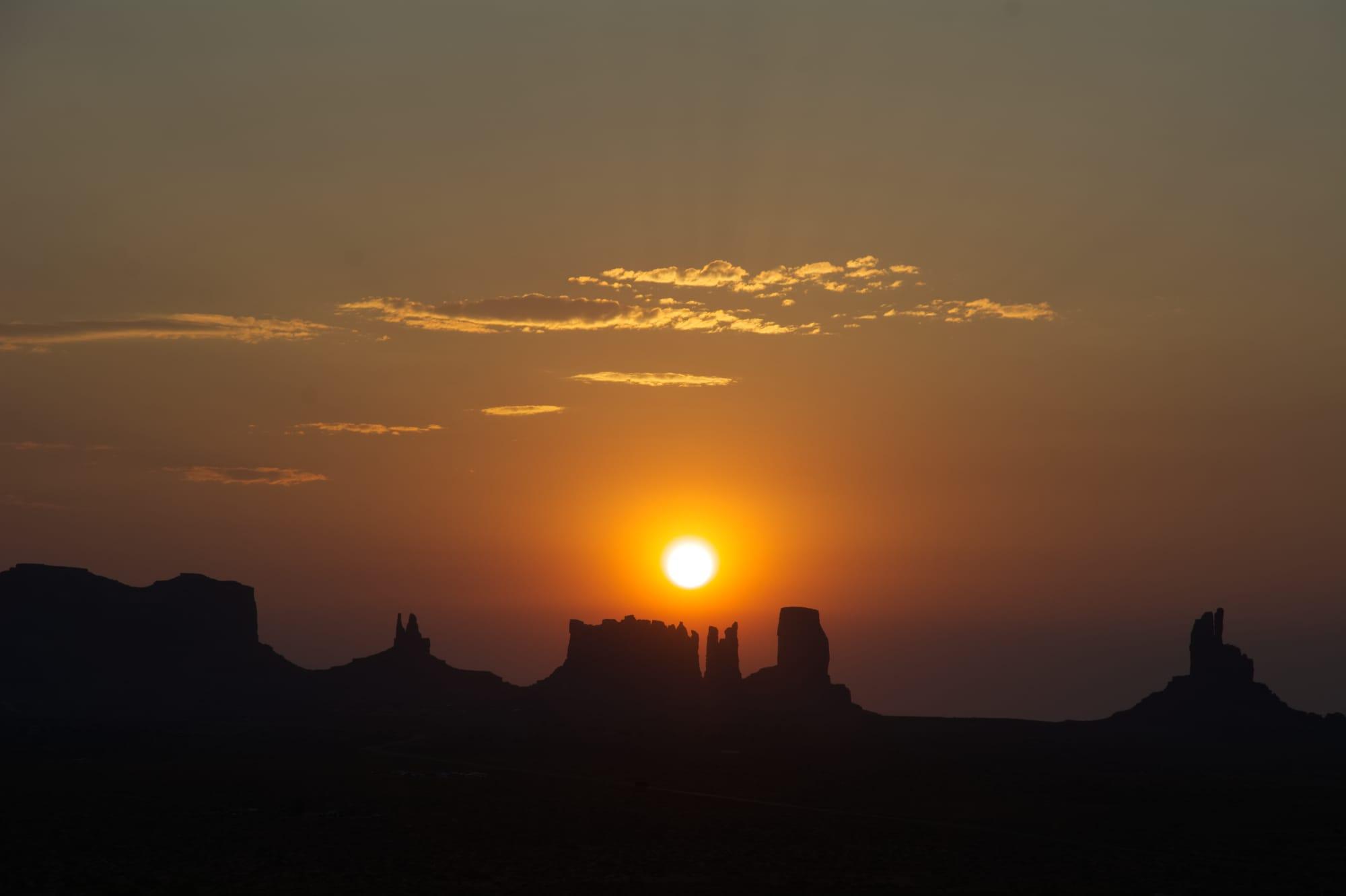 Alba sulla Monument Valley