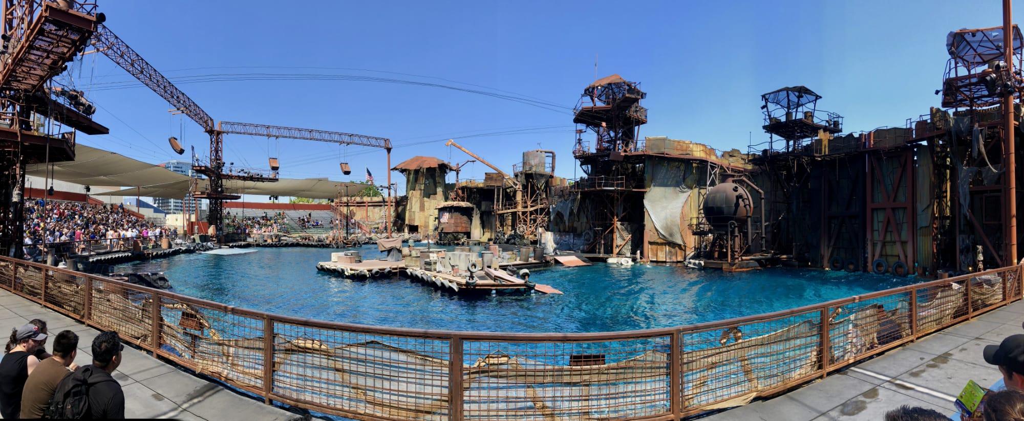 Waterworld Stunt Show, Universal Studios