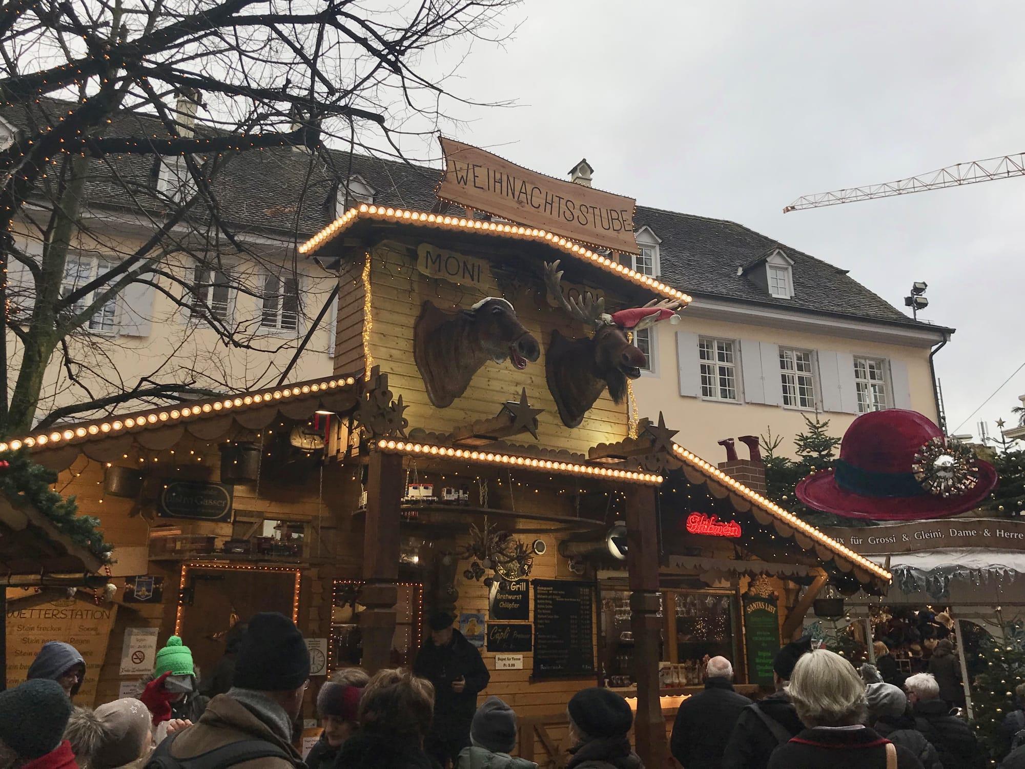 Le originali casette dei mercatini di Natale di Basilea