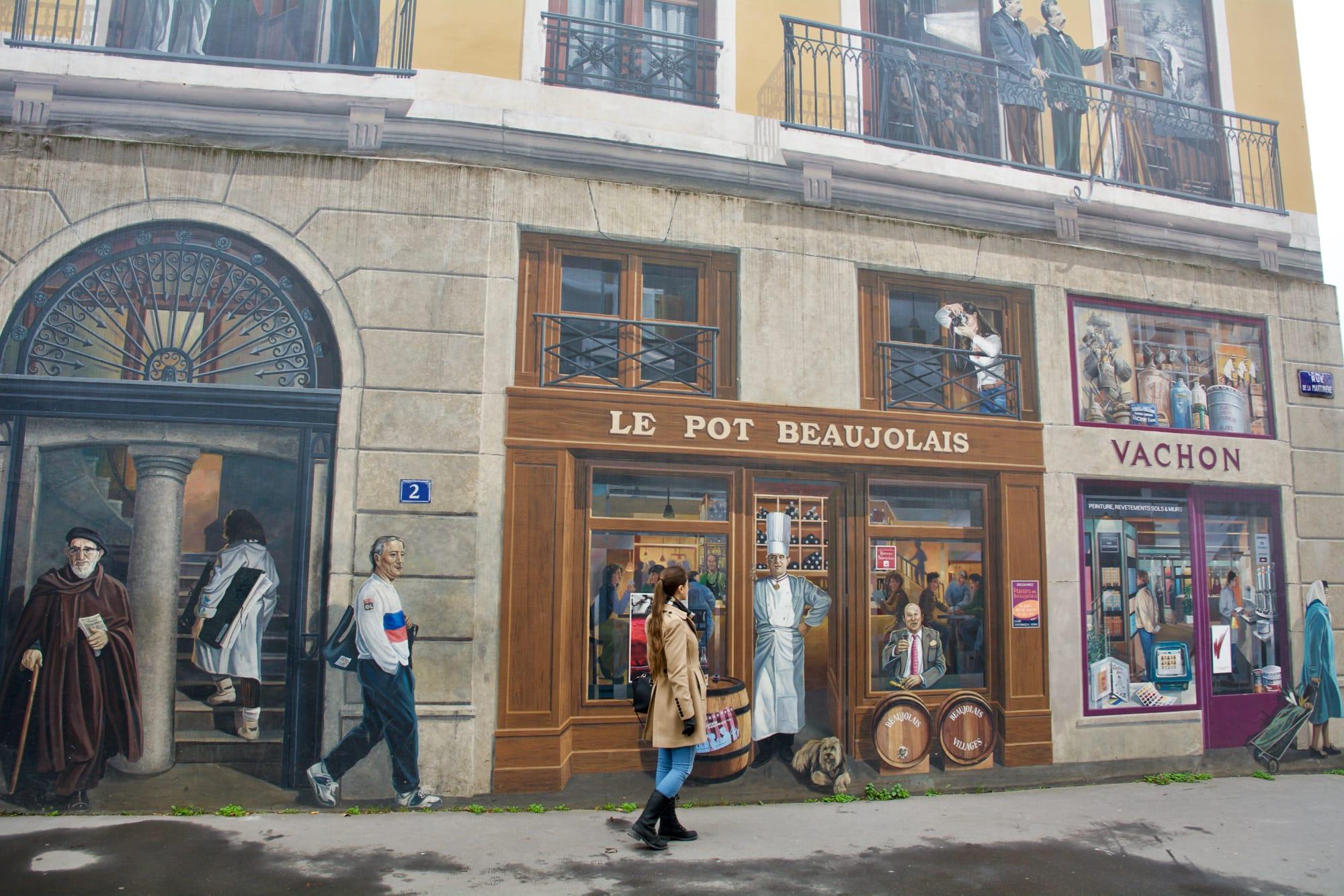 Mur des Lyonase, io nel murales a cena da Paul Bocuse