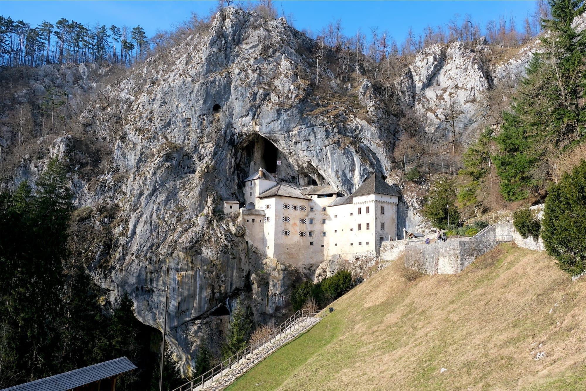 Postojna e Predjama: tra natura e castelli
